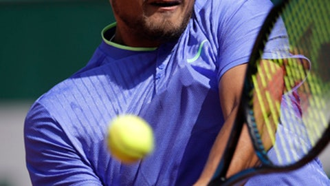 Frenchman Hamou kicked out of French Open after kissing journalist