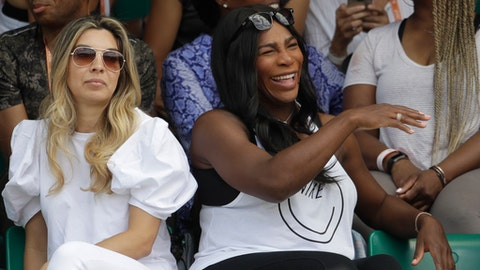 Serena Williams to have baby girl, says Venus