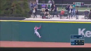 WATCH: Twins' Buxton makes incredible catch at the wall