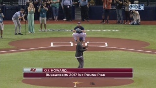 Buccaneers rookie O.J. Howard throws out 1st pitch before Rays vs. Angels