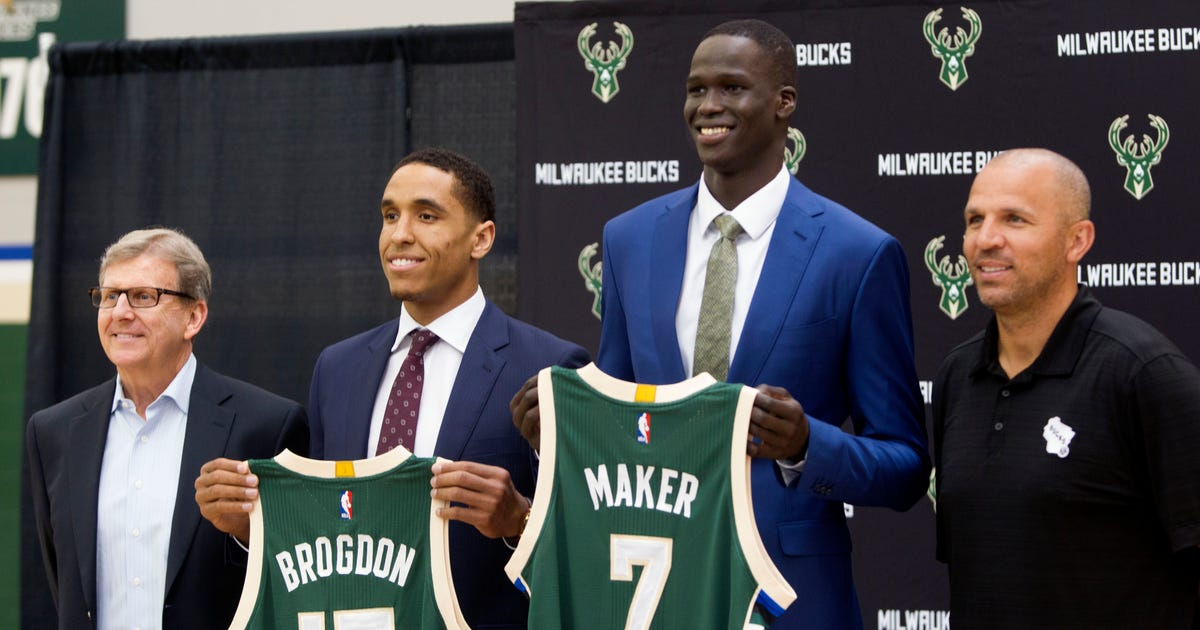 9354487-nba-milwaukee-bucks-press-conference-1.vresize.1200.630.high.0