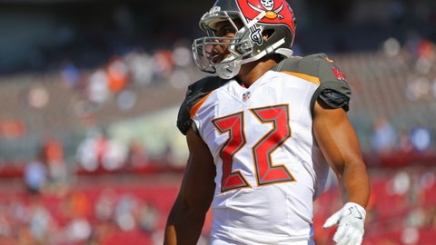 Nov 13, 2016; Tampa, FL, USA; Tampa Bay Buccaneers running back Doug Martin (22) against the Chicago Bears at Raymond James Stadium. The Buccaneers won 36-10. Mandatory Credit: Aaron Doster-USA TODAY Sports
