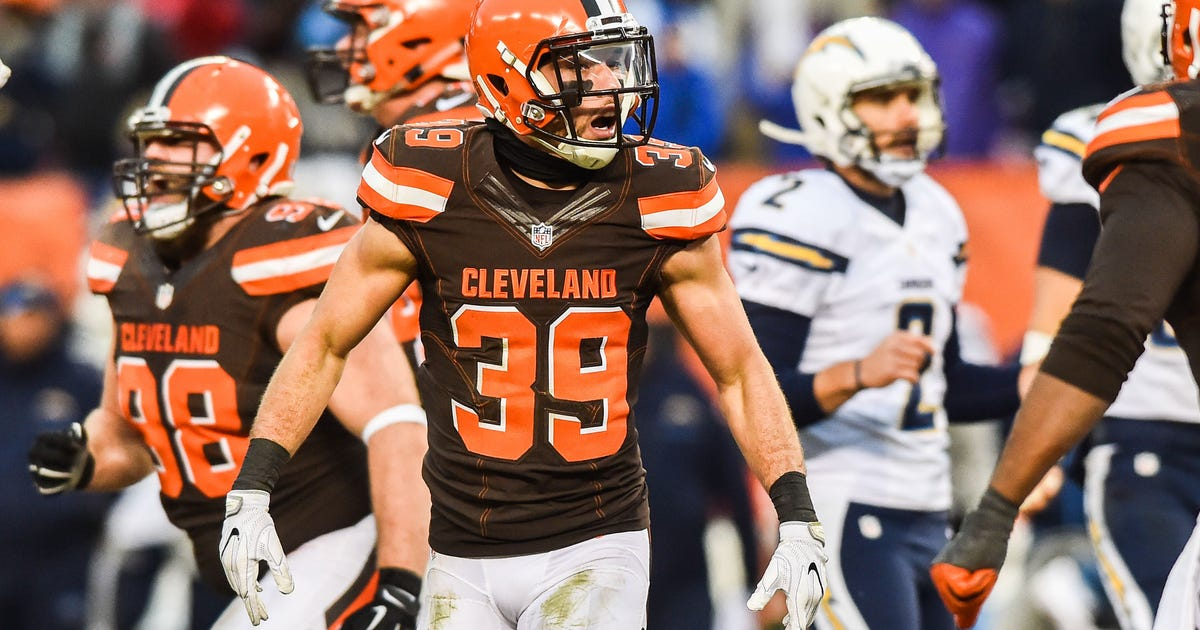 9776334-nfl-san-diego-chargers-at-cleveland-browns.vresize.1200.630.high.0
