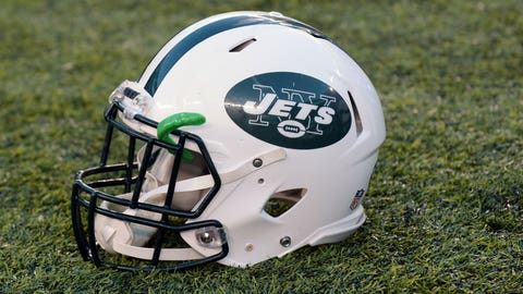 EAST RUTHERFORD, NJ - JANUARY 01: New York Jets helmet on the field after the NY Jets vs Buffalo Bills NFL football game on Sunday, January 1, 2017 at Met-Life Stadium in East Rutherford, NJ. (Photo by Alan Schaefer/Icon Sportswire via Getty Images)