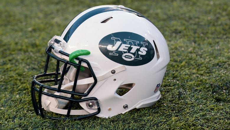 Jets hire Collette Smith to work training camp, making her first female coach in team history