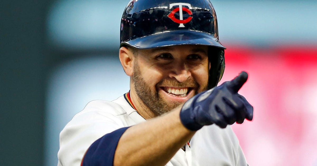 N03-pi-north-twins-athletics-brian-dozier-smile-050317.vresize.1200.630.high.0