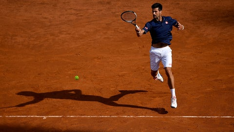 ROME, ITALY - MAY 18:  Novak Djokovic of Serbia plays a shot during his 3rd round match against Roberto Bautista of Spain in The Internazionali BNL d'Italia 2017 at Foro Italico on May 18, 2017 in Rome, Italy.  (Photo by Gareth Copley/Getty Images)