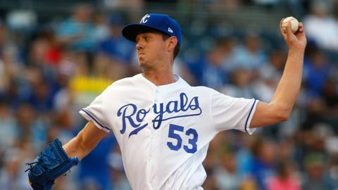 Big Eighth Inning lifts Royals over San Diego