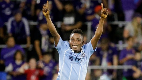 Fernandes hat-trick lifts KC over Seattle