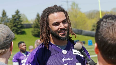 Bucky Hodges doesn't feel pressure wearing No. 84