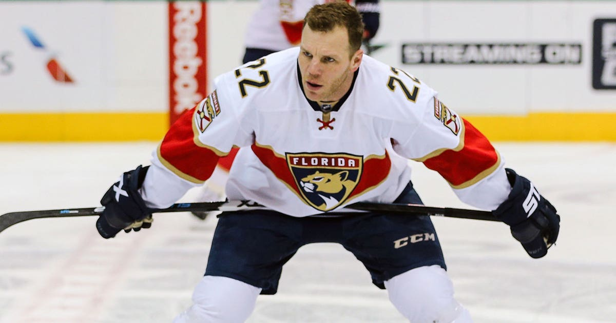 Shawn-thornton-panthers-nhl-1300.vresize.1200.630.high.0