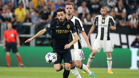TURIN, ITALY - MAY 9: Bernardo Silva of Monaco, Miralem Pjanic of Juventus during the UEFA Champions League semi final second leg match between Juventus Turin and AS Monaco at Juventus Stadium on May 9, 2017 in Turin, Italy. (Photo by Jean Catuffe/Getty Images)