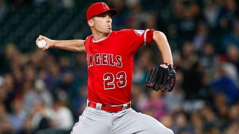 Los Angeles Angels (16-17)