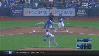 WATCH: Broxton, Santana homer vs. Blue Jays