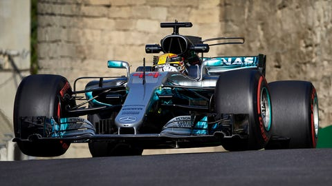 Lewis Hamilton was 10th fastest in FP2 after struggling for grip. (Photo: Steve Etherington/LAT Images)