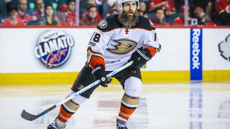 Anaheim Ducks Have Re-Signed Forward Patrick Eaves
