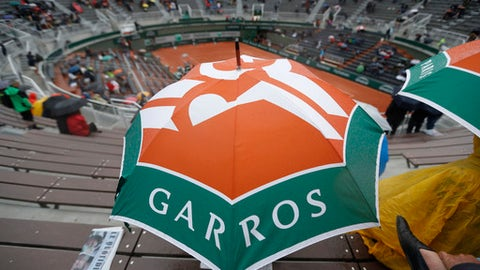 Rain delays Nadal, Djokovic quarter-finals