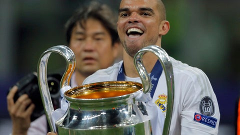 Pepe leaves Real Madrid