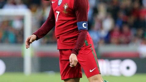 Favorites Portugal, Mexico meet early in Confederations Cup
