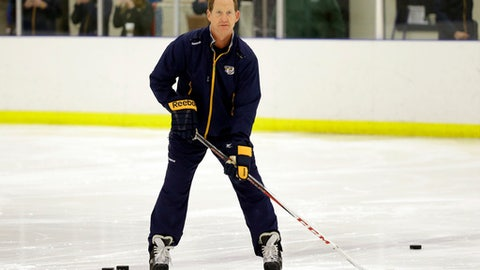 Sabres hire Housley as head coach