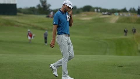 Wind howling as final round at Erin Hills gets under way