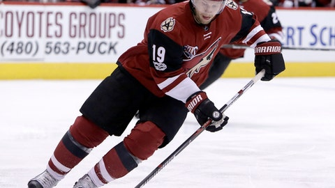 Arizona Coyotes right wing Shane Doan (19) in the first period during an NHL hockey game against the Buffalo Sabres, Sunday, Feb. 26, 2017, in Glendale, Ariz. (AP Photo/Rick Scuteri)
