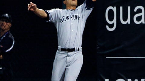 NY Yankees' Dustin Fowler ruptures tendon in 1st inning of Major League Baseball debut