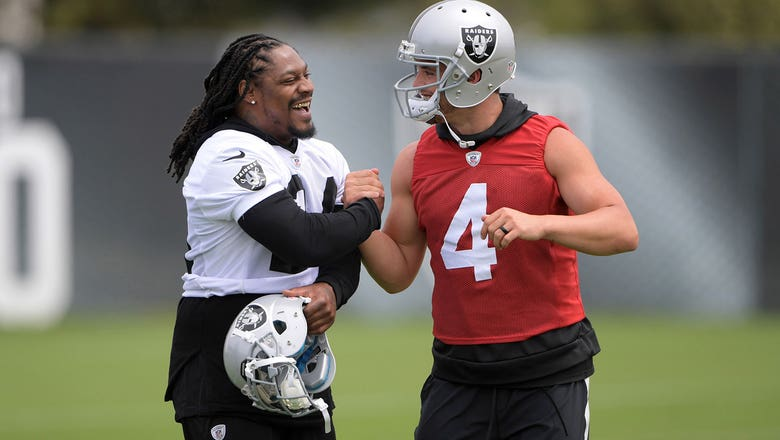 Derek Carr jabs Seahawks' use of Marshawn Lynch while professing love for Raiders