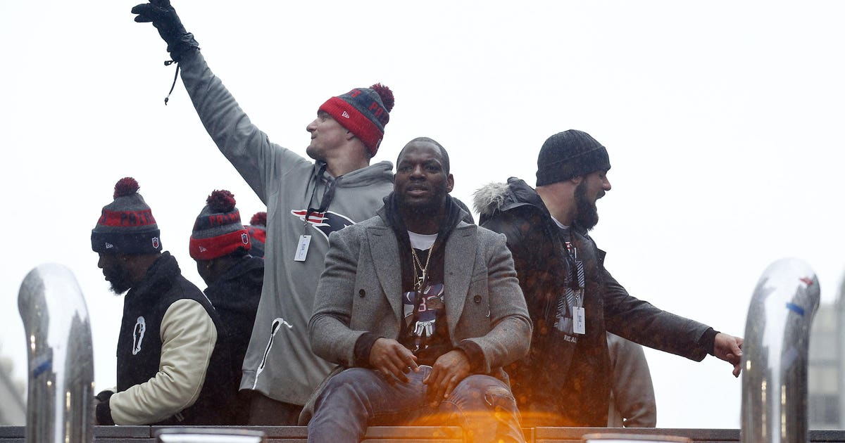 9864514-nfl-super-bowl-li-champions-new-england-patriots-parade.vresize.1200.630.high.0