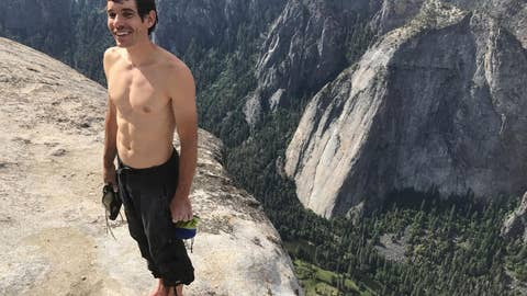 Alex Honnold climbs 3000-foot wall of El Capitan without a rope