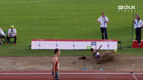 Long jumper loses wig during Diamond League in Oslo