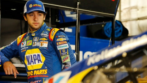 Larson, Truex take top 2 spots in MI  qualifying