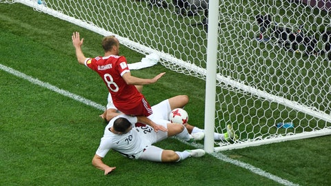 Russian Federation  eases to 2-0 Confederations Cup win over New Zealand