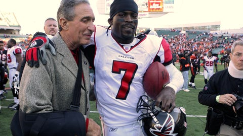 Falcons to honor former stars Michael Vick, Roddy White