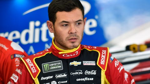 Kyle Larson rockets to pole for Monster Energy Series race at MI
