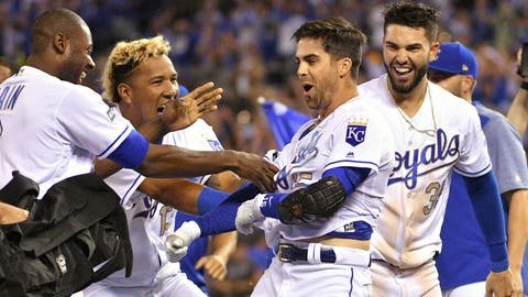 Perez, Moustakas homer to lift Royals over Tigers 8-2