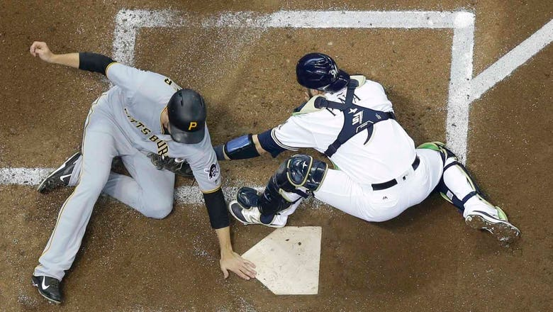 Brewers struggle early in 7-3 loss to Pirates
