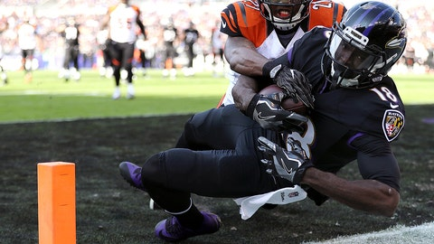 BALTIMORE, MD - NOVEMBER 27: Wide receiver Breshad Perriman #18 of the Baltimore Ravens scores a first quarter touchdown past cornerback Darqueze Dennard #21 of the Cincinnati Bengals at M&T Bank Stadium on November 27, 2016 in Baltimore, Maryland. (Photo by Patrick Smith/Getty Images)