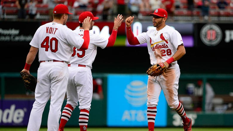 Reds aim to keep Brewers' bats cool amid injury woes