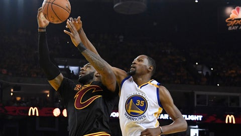 Warriors storm past Cavs in Game 2