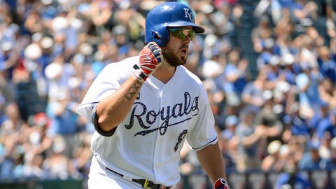 Royals rally for 9-6 win over Mariners, Moose leads in Final voting