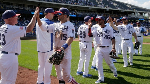 Twins Lose To Royals