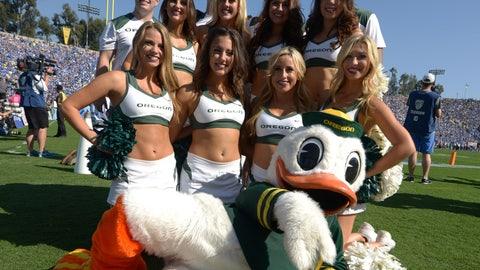 Oregon cheerleaders