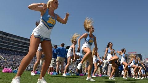 UCLA cheerleaders
