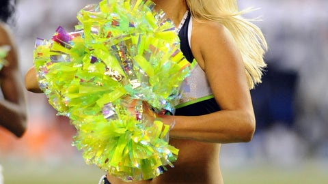 Seahawks cheerleader