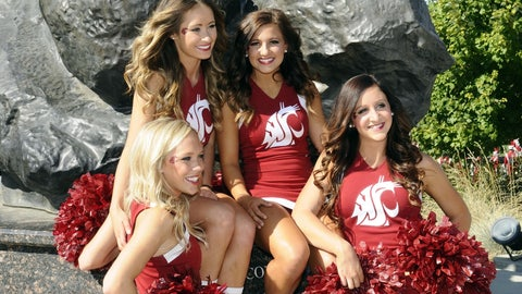 Washington State cheerleaders