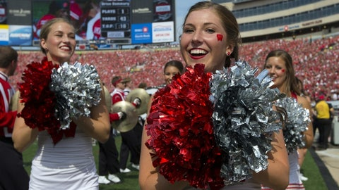 Wisconsin cheerleaders