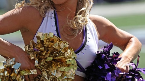 Baltimore Ravens cheerleader