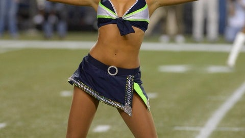 Seattle Seahawks cheerleader