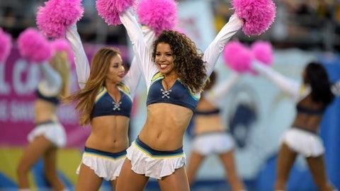 NFL cheerleaders: Week 6